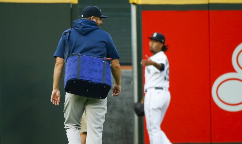 Mariners Trade Graveman to Grave Reactions